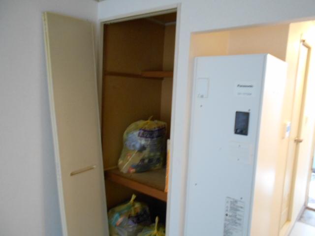 プレジール鈴木 201号室の収納