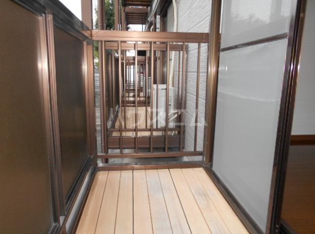 サープラスⅠ雉子野C棟 106号室の玄関