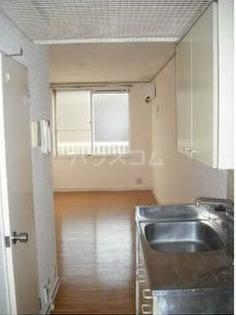 エステートピア吉川 205号室のキッチン