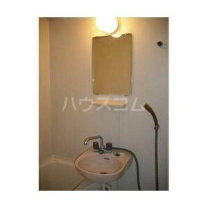 エステートピア吉川 205号室の洗面所