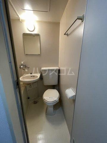 メゾンフジセ 105号室のトイレ