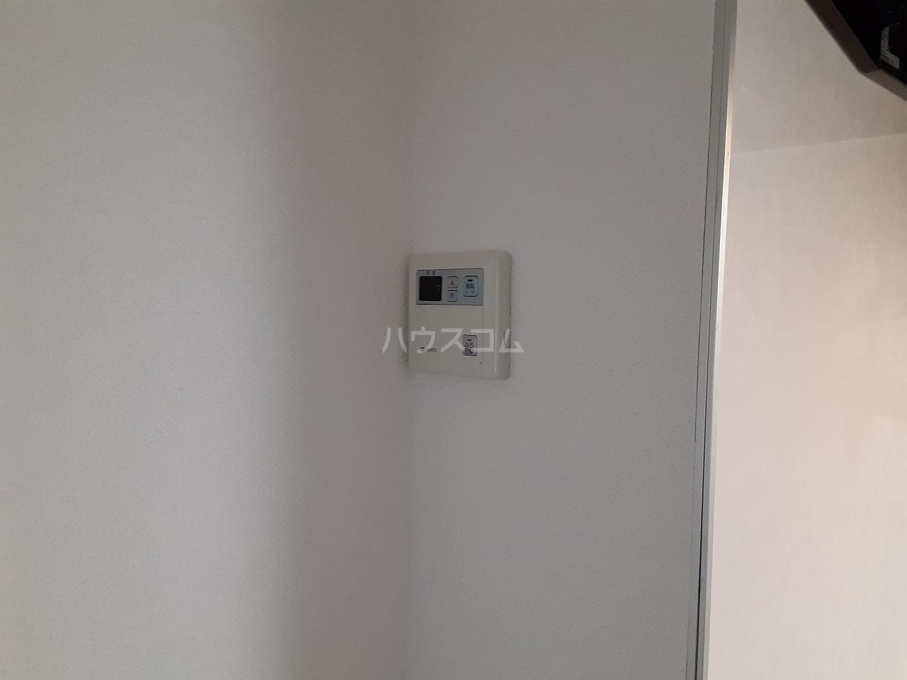 ロイヤルメゾン松ヶ丘 303号室の設備