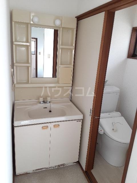 ひかりハウス 102号室の洗面所