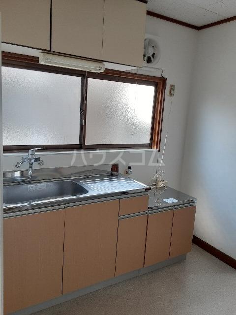 ひかりハウス 102号室のキッチン
