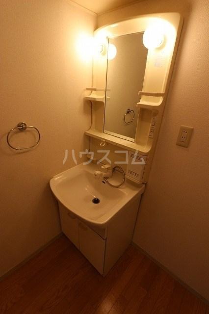 トゥルーリィー 101号室のトイレ