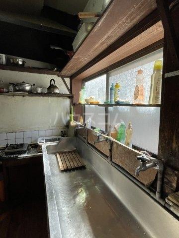 大和莊 本館 210号室のキッチン