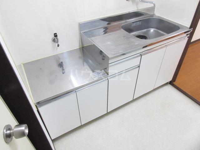 スカイハイツ 101号室のキッチン