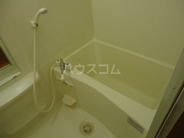 フローラーリア湘南 110号室の風呂