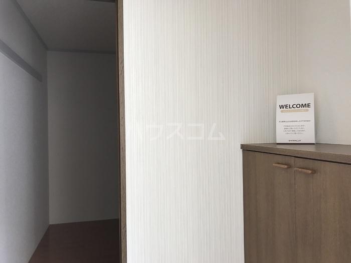 ピアコート若葉 202号室の玄関
