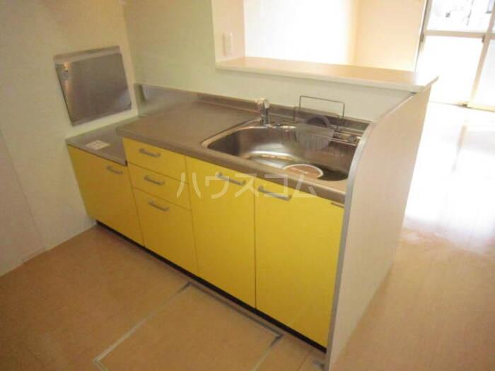 コンフォート ヴィラ 106号室のキッチン