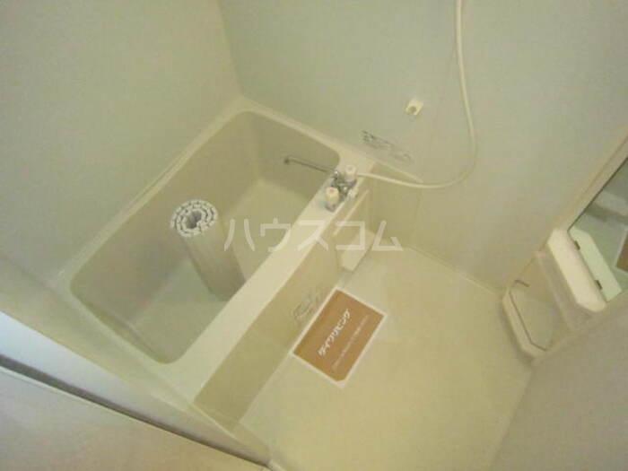 コンフォート ヴィラ 106号室の風呂