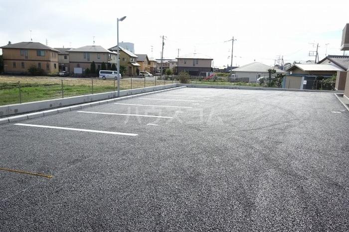 ティールーム高野 102号室の駐車場