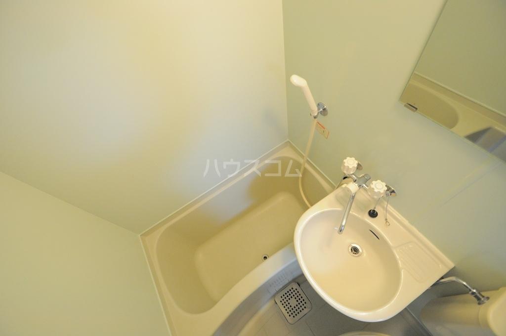 レオパレス春吉 107号室の風呂