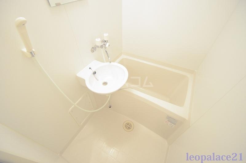レオパレス太陽 102号室の風呂