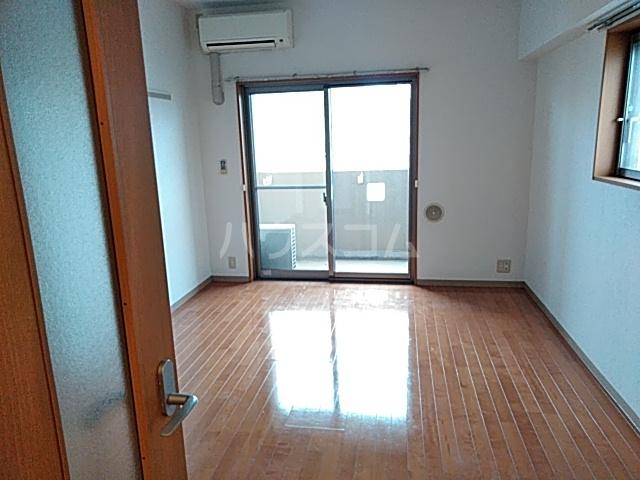 新千葉小川マンション 603号室のリビング