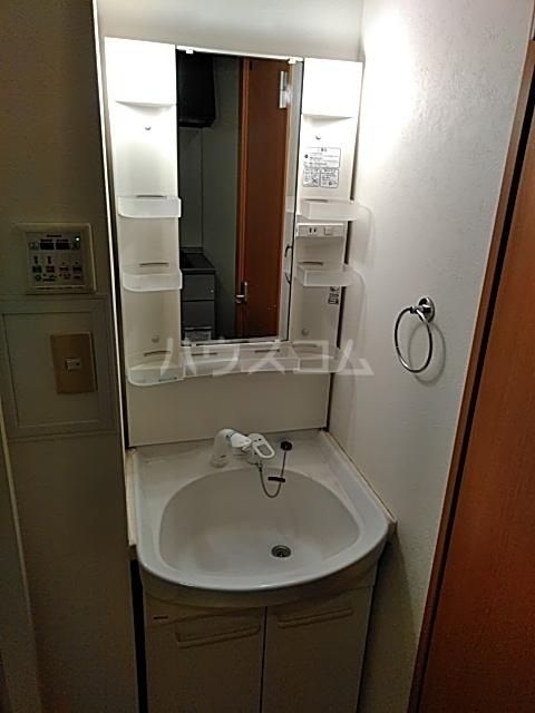 新千葉小川マンション 603号室の洗面所