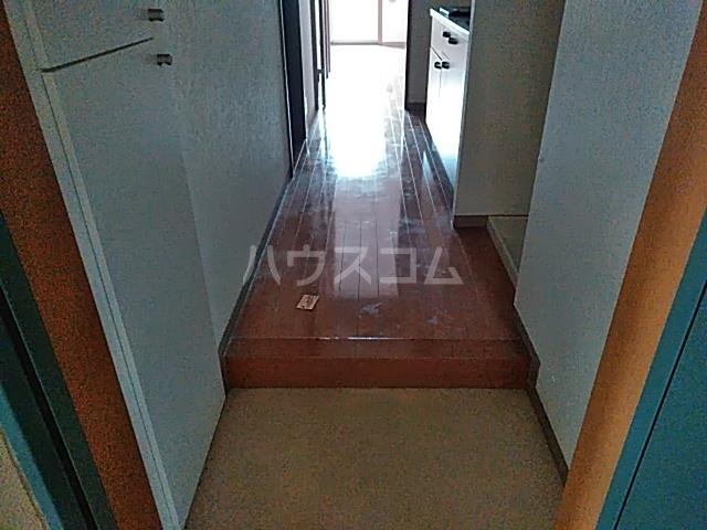 新千葉小川マンション 603号室の玄関