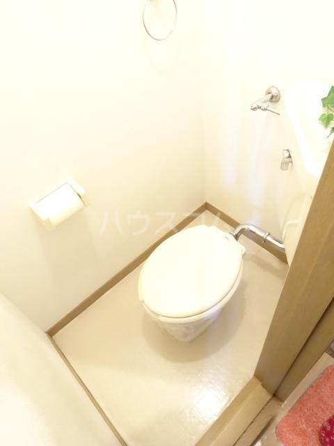 アルス松戸 102号室のトイレ