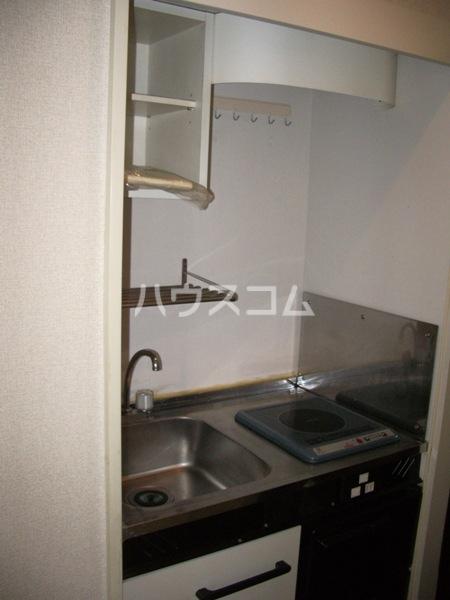 シャイン鳴尾 106号室のキッチン