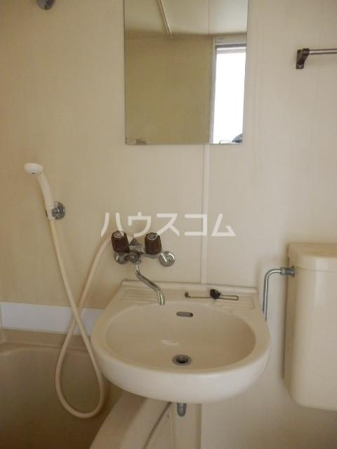 インセゾン弐番館 00107号室の洗面所