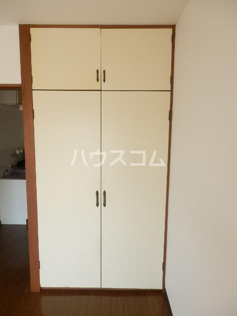 インセゾン弐番館 00107号室の収納