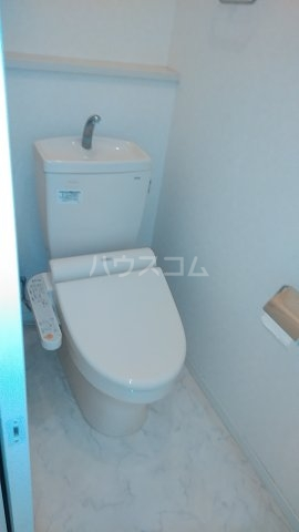 グランドラインハイツ 202号室のトイレ