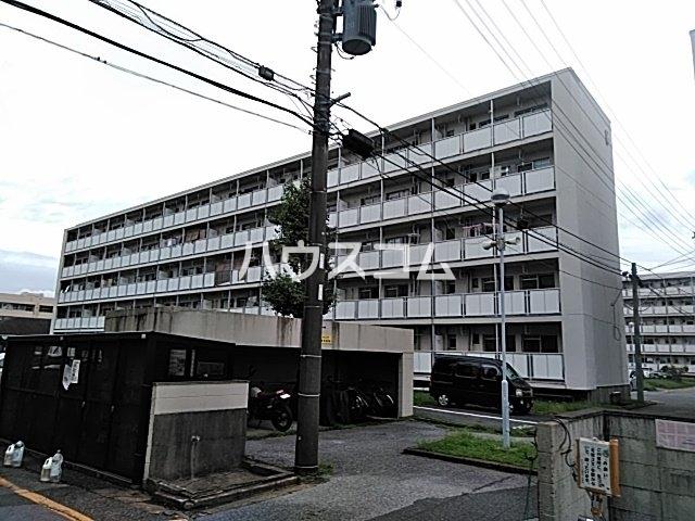 ビレッジハウス検見川8号棟の外観
