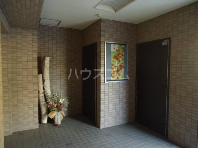 ベルテ相川 303号室のエントランス