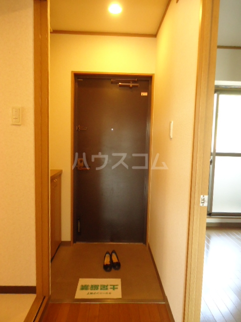 ベルテ相川 303号室の玄関