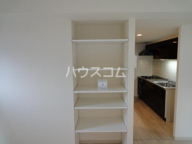 SINCERE MEIJI 303号室の収納