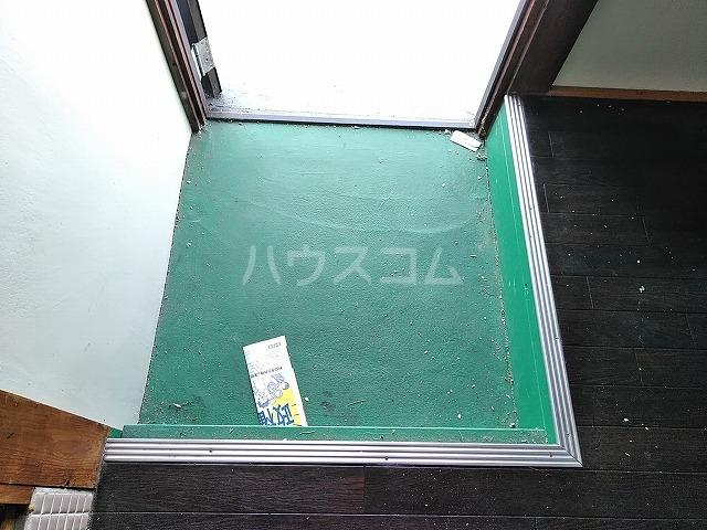 つがね荘 2-F号室の玄関