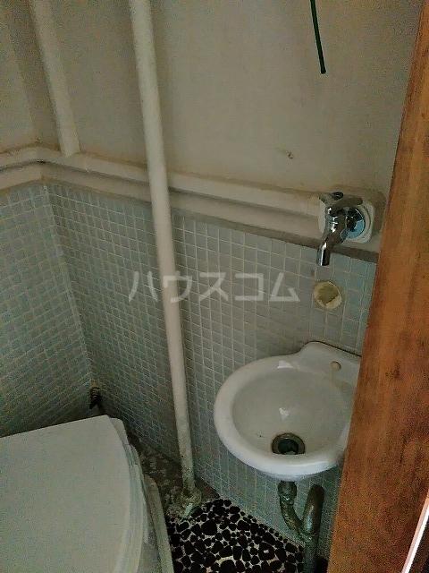 つがね荘 2-F号室の洗面所