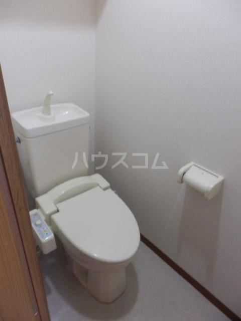 リヴスペースW 303号室のトイレ