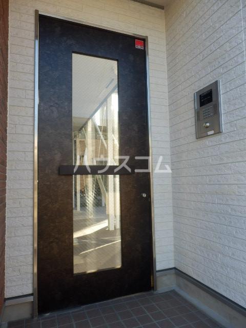 ルウナ 102号室のエントランス