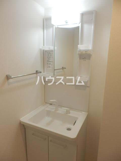 ルウナ 102号室の洗面所