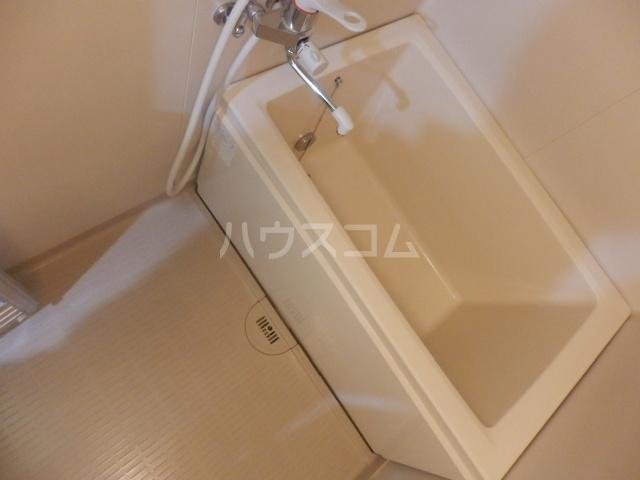 シャルマン所沢B棟 00103号室の風呂