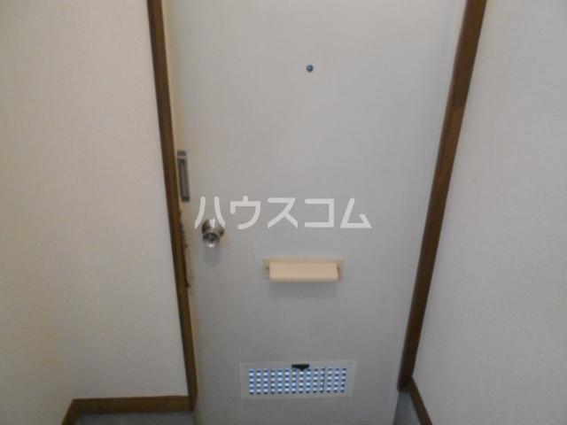 エスポワールゆとり 103号室の玄関