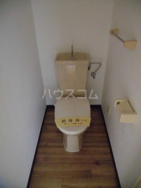 ノーブル膳棚 00204号室のトイレ