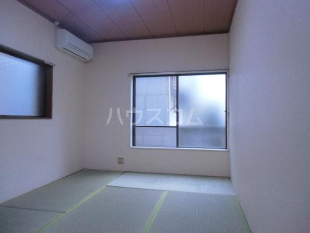 ローズノーブル 102号室の居室