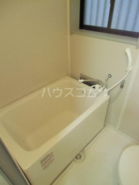 ローズノーブル 102号室の風呂