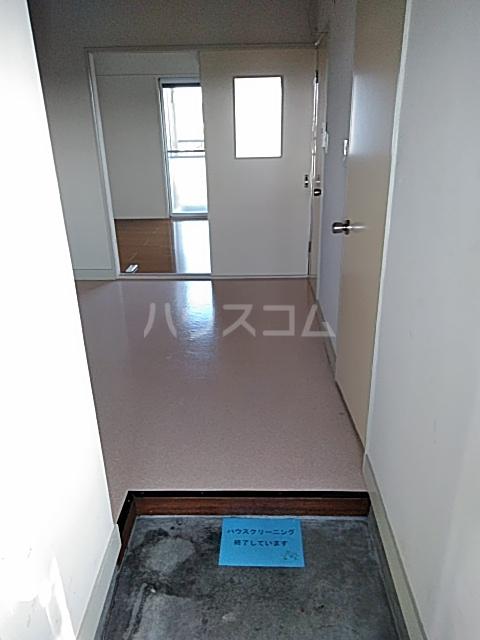 中津ビル 401号室の玄関