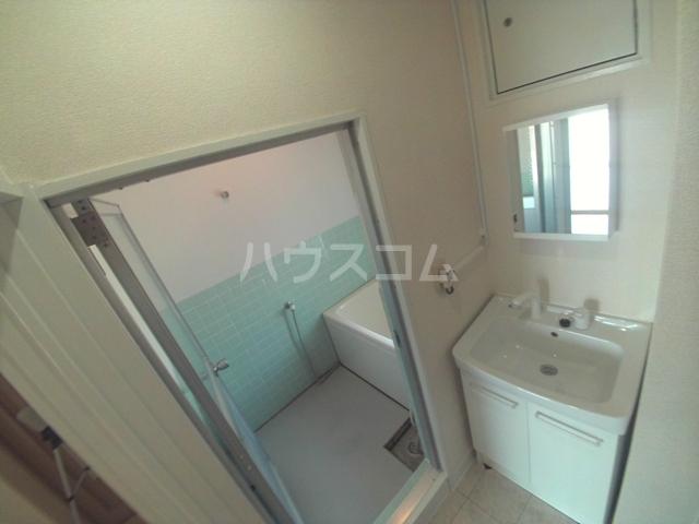 トモエコーポ 402号室の洗面所