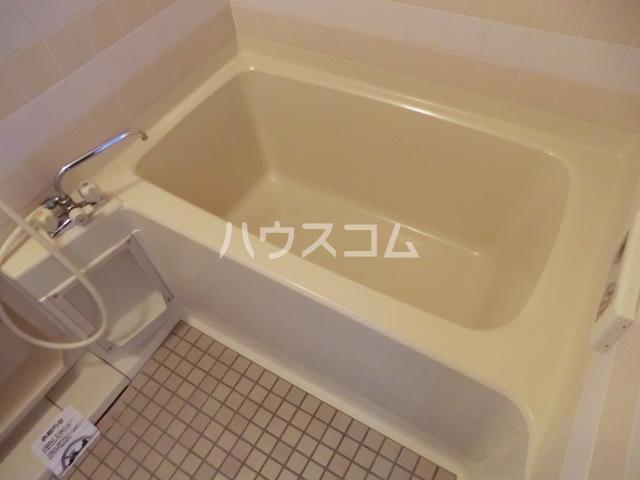ラディアント柴田 204号室の風呂