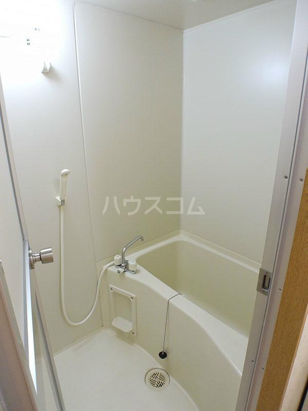 アン・ソレイエ 106号室の風呂