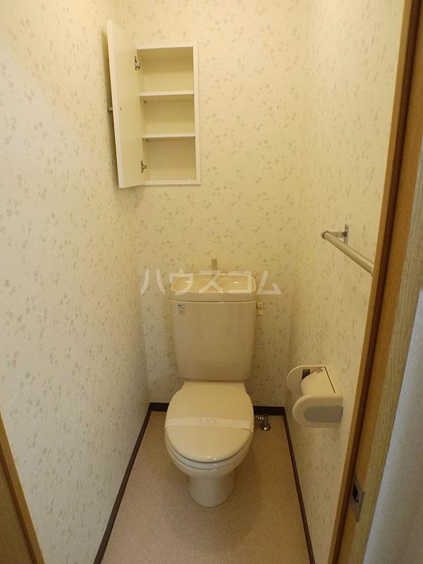 アン・ソレイエ 106号室のトイレ