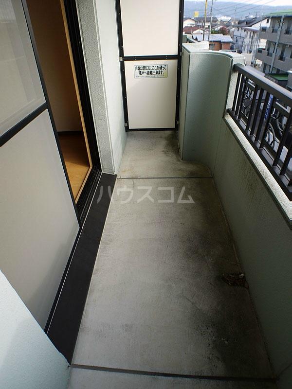 アン・ソレイエ 106号室のバルコニー