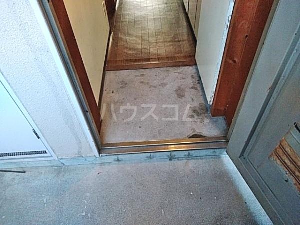 ビラ東海 30A号室の玄関