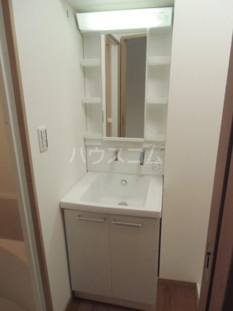 cruise 302号室の洗面所
