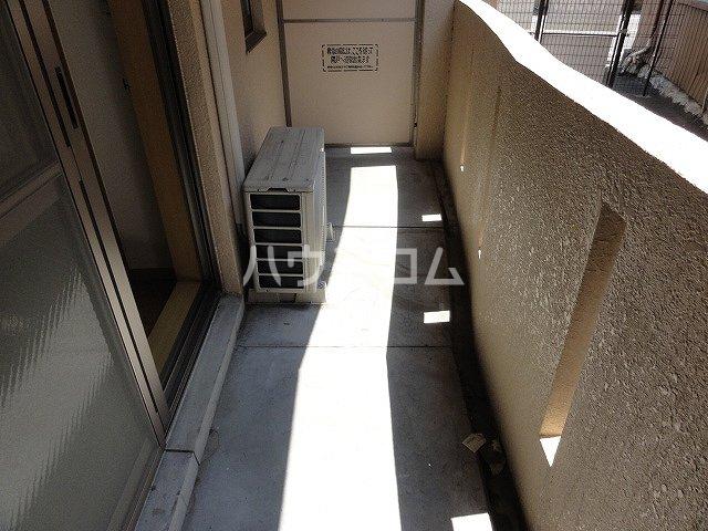 ラ・ペジブル 203号室のバルコニー