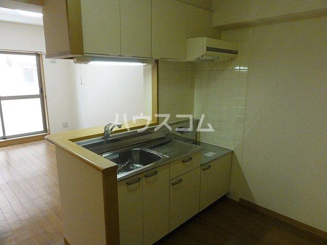 ラ・ペジブル 203号室のキッチン
